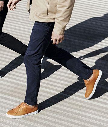 时尚平底铆钉短靴子